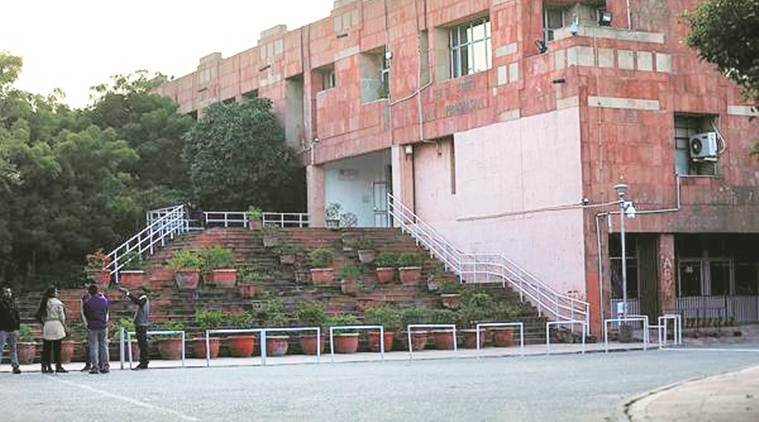 JNU strongly advises students stranded in hostels to return home