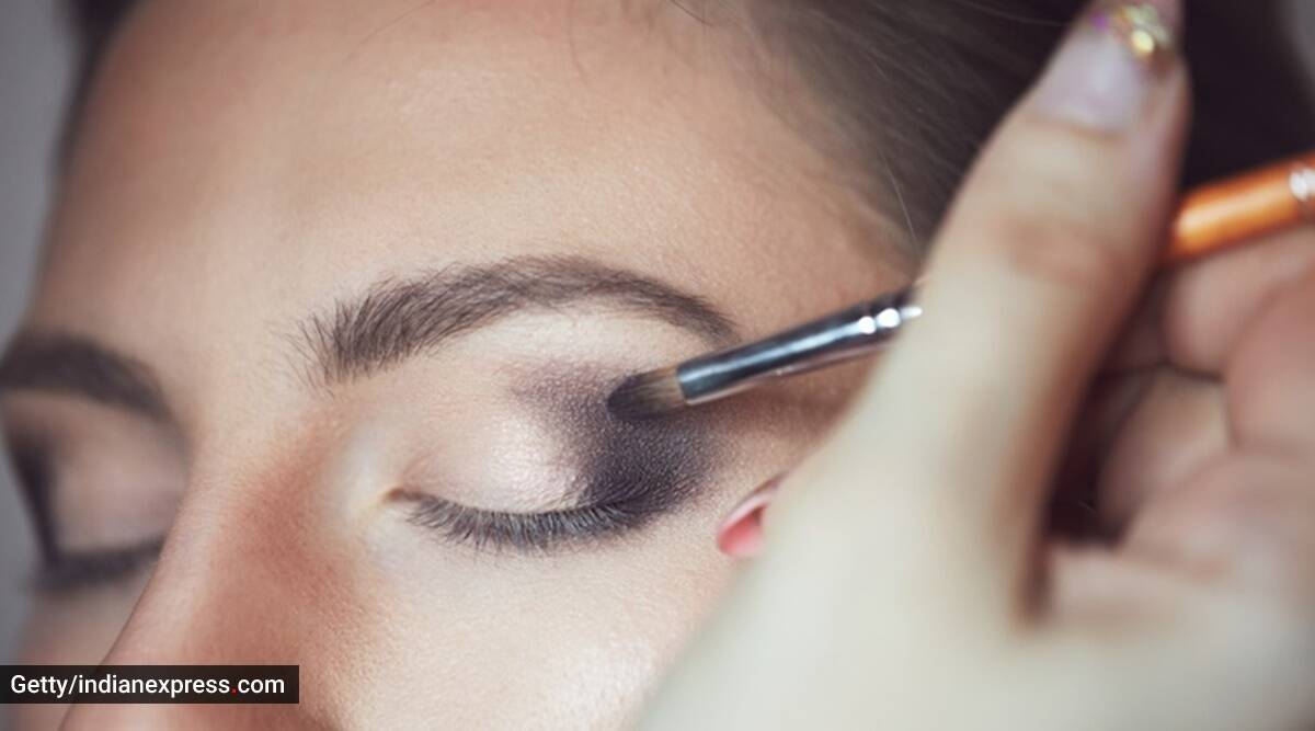 Check out these easy tips for a long-lasting makeup look